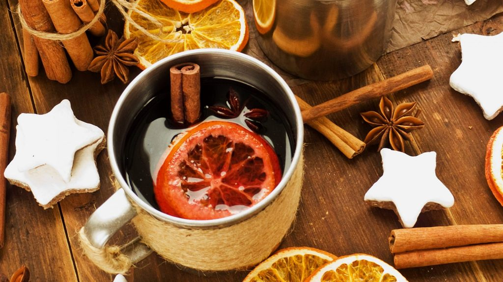 mulled wine, relatives neeting